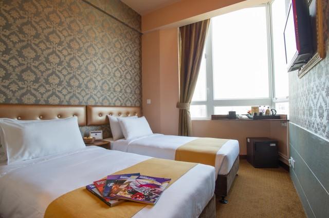 Best western hotel causeway bay hong kong for Free room at motor city casino